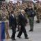 I militari sull\'attenti al passaggio di Giorgio Napolitano e Ignazio La Russa