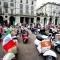 Il raduno delle Vespa in piazza Vittorio Veneto