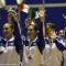 Gli atleti italiani salutano i tifosi