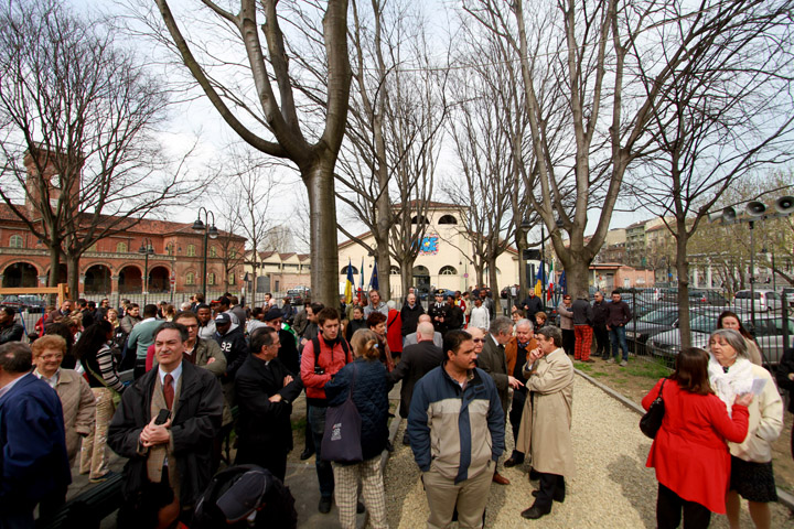 A borgo dora intitolato il giardino al cardinale michele for Borgo dora torino