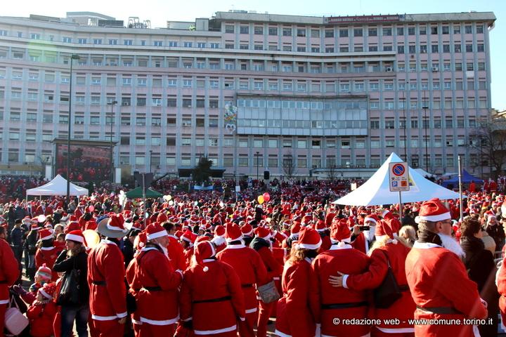 Resultado de imagem para 7° raduno dei Babbi Natale