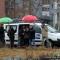 La troupe di Linea Verde sotto la pioggia
