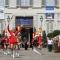 Le majorettes in partenza da Palazzo Reale