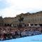 In piazza San Carlo si attende la discesa dei paracadutisti