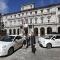 Le nuove auto elettriche in piazza Palazzo di Città