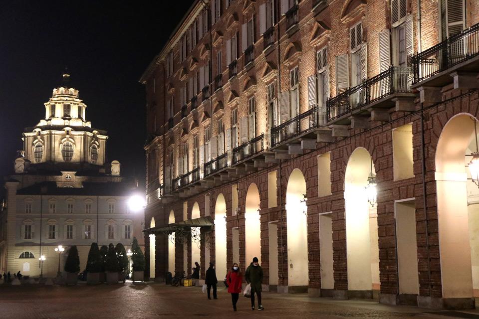 Piazza Castello sotto una nuova luce per valorizzarne l'architettura e rispettare l'ambiente