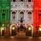 Palazzo Carignano illuminato con il Tricolore