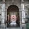 Portone d\'ingresso di Palazzo Cisterna, sede della Provincia di Torino, via Maria Vittoria 12